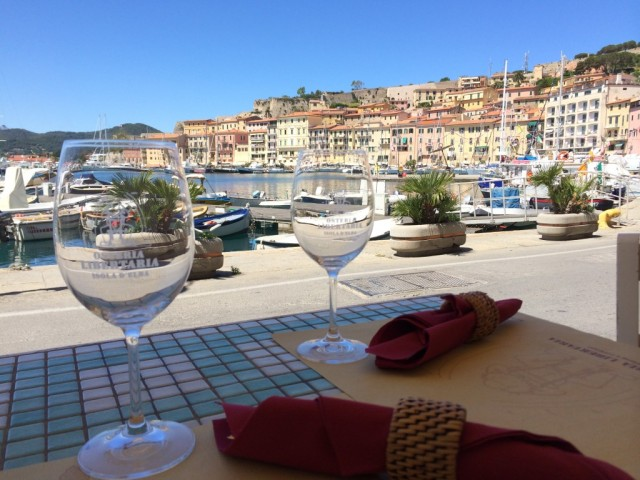 Have a meal by the sea in Portoferraio