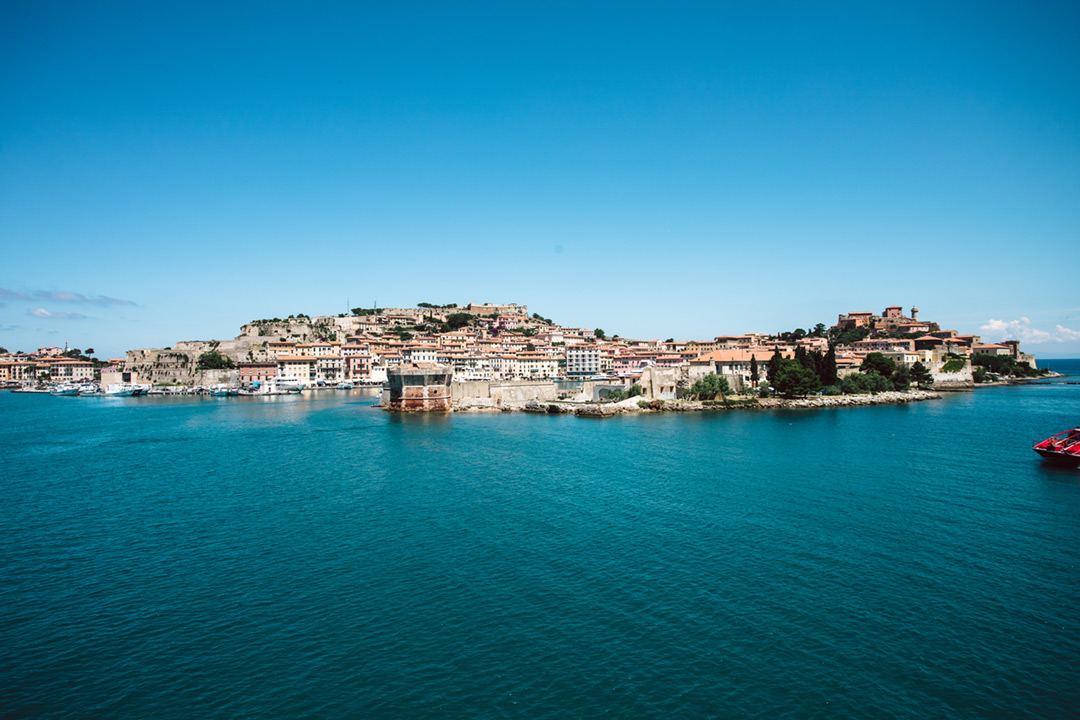Portoferraio first: sea and culture